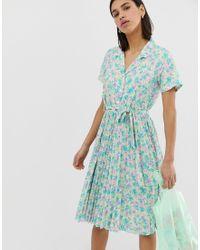 Vestido de tarde con falda plisada de estilo retro Mitzie Résumé de color Green