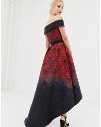 Chi Chi London Satijnen Midi-jurk Met Extreem Ongelijke Zoom in het Red