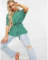 AX Paris Green – Geblümte Bluse mit Schlitzausschnitt