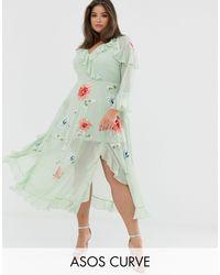 Vestido largo con diseño cruzado y bordados ASOS de color Green