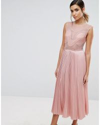 Three Floor Pink Lace Detail Midi Dress With Plated Skirt And Thigh Split