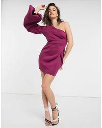 Vestito corto monospalla con manica super voluminosa color lampone di ASOS in Purple