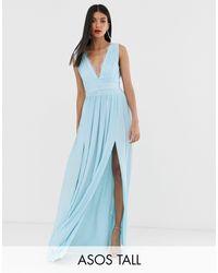 Vestido largo con pliegues y aplicación ASOS de color Blue
