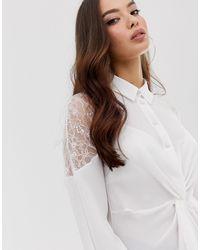 Blouse avec dentelle aux épaules Lipsy en coloris White