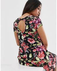 Robe fluide à imprimé à fleurs foncé avec détail goutte d'eau dans le dos Brave Soul en coloris Black