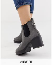 New Look Chunky Chelsea Heeled Boot In Gray