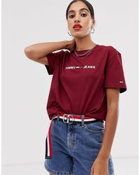 T-shirt con logo di Tommy Hilfiger in Red
