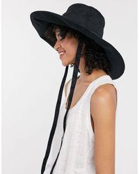 Cappello da pescatore nero con falda larga e laccetti di & Other Stories in Black
