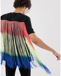 Camiseta holgada para festival negra con flecos largos muticolor ASOS de hombre de color Black