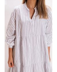 Hartford Roanne Tiered Stripe Cotton Dress In White And Charcoal