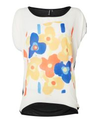 Izabel London | White Contemporary Floral Print Knit Top | Lyst