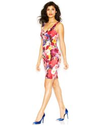 Guess - Red Sleeveless V-Neck Printed Body-Con Dress - Lyst