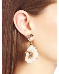 Oscar de la Renta - White Resin Swirl Scalloped Earrings - Lyst