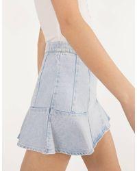 Falda pantalón denim con volantes Bershka de color Blue