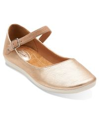 Clarks | Metallic Women's Feature Film Flats Shoes | Lyst