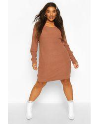 Robe Pull En Maille Col Bateau Plus Boohoo en coloris Brown