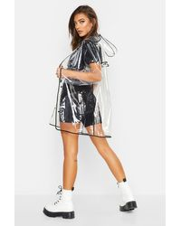 Impermeable Transparente Con Costuras Adheridas Daisy Boohoo de color Black