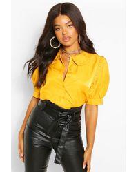 Blusa De Chifón Con Cuello De Volantes Boohoo de color Yellow