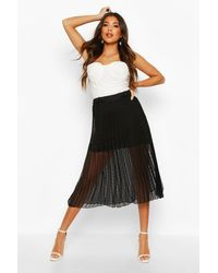 Dobby Mesh Pleated Midi Skirt Boohoo en coloris Black