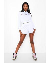 Conjunto De Pantalones Cortos Y Top Estilo Suéter Con Capucha Y Mariposas Boohoo de color White