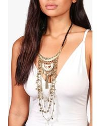Boohoo - Metallic Lucy Statement Plunge Star Detail Necklace - Lyst