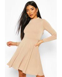 Boohoo Natural Womens Hochgeschlossenes, Langärmeliges Skater-Kleid Aus Rippstrick