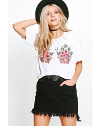 Boohoo | White Amy Applique T-shirt | Lyst
