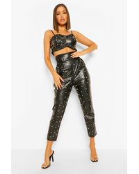 Pantalones Con Adornos De Perlas De Poliuretano Boohoo de color Black