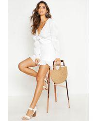 Robe Mini Froncée En Tissu Froissé Boohoo en coloris White