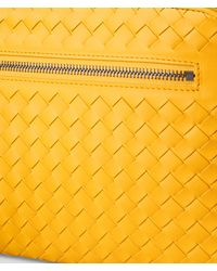 SAC PORTE-DOCUMENTS URBANDOC PETIT FORMAT EN CUIR VN INTRECCIATO JAUNE SUNSET Bottega Veneta pour homme en coloris Yellow