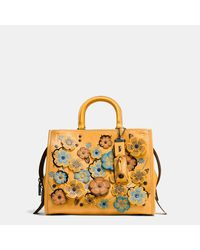 COACH Multicolor Rogue In Glovetanned Pebble Leather With Linked Tea Rose