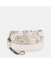 COACH | Multicolor Clutch In Glovetanned Leather With Small Tea Rose | Lyst