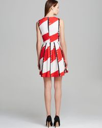 Vince Camuto White Sleeveless Abstractions Print Pleated Dress