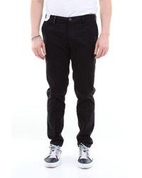 Pantalone chino con risvolti di Re-hash in Black da Uomo