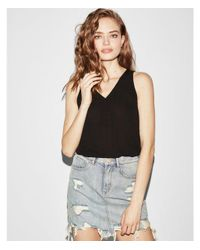 Express - Black V-neck Button Front Tank - Lyst