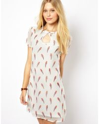 Sugarhill | White Shift Dress in Parrot Print | Lyst