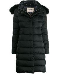 Doudoune à capuche bordée de fourrure détachable Herno en coloris Black