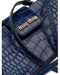Borsa mini con effetto coccodrillo di Miu Miu in Blue