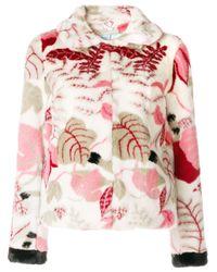 Abrigo con estampado floral texturizado Shrimps de color Pink
