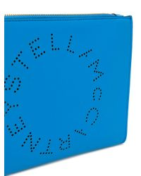 Clutch con logo de la marca Stella McCartney de color Blue