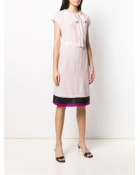 Robe droite à motif monogrammé Stella McCartney en coloris Pink