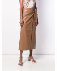 Jupe droite mi-longue à taille ceinturée Nanushka en coloris Brown