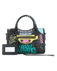 Balenciaga Graffiti Classic City Mini Leather Bag in het Black