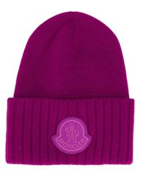 Moncler Purple Beanie mit Logo-Patch
