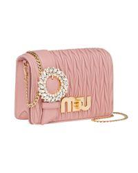 Borsa a spalla con logo di Miu Miu in Pink