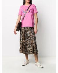 T-shirt a girocollo con ricamo di Versace Jeans in Pink