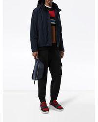 Veste en taffetas à mémoire de forme avec capuche repliable Burberry pour homme en coloris Blue