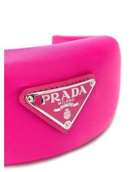 Serre-tête à plaque logo Prada en coloris Pink