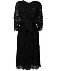 Robe mi-longue en dentelle P.A.R.O.S.H. en coloris Black