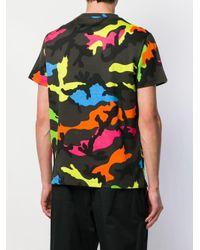 T-shirt con stampa camouflage di Valentino in Multicolor da Uomo